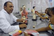 Alunos do Sesc Floriano visitam laboratório de ciências