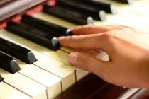 Sesc Caixeiral recebe a pianista Isabel Tereza no Café com Piano