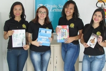 Biblioteca itinerante do Sesc percorre empresas de Teresina